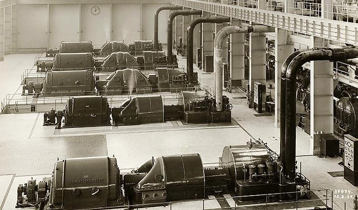 The machine hall in 1931, equipped by Siemens-Schuckert-Werken.jpg