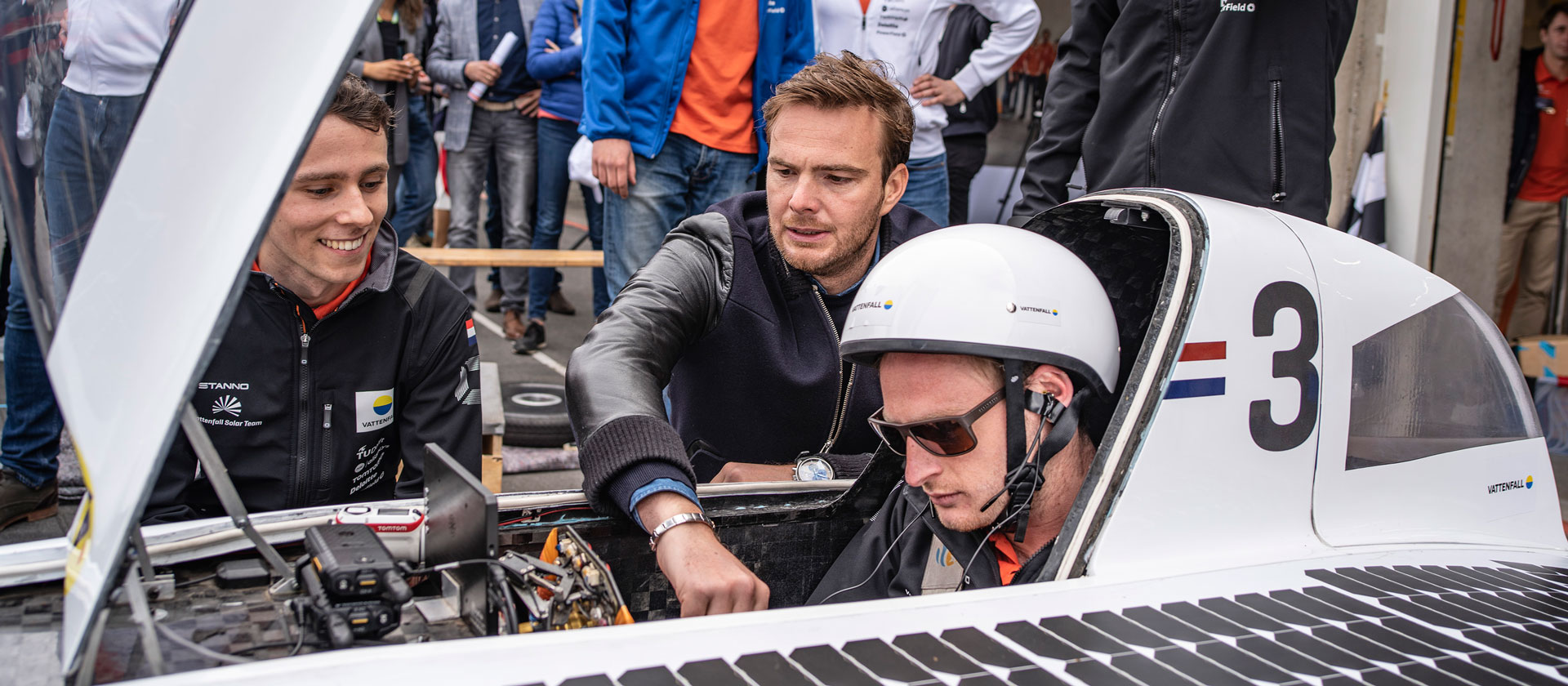 Giedo van der Garde is giving some final clues