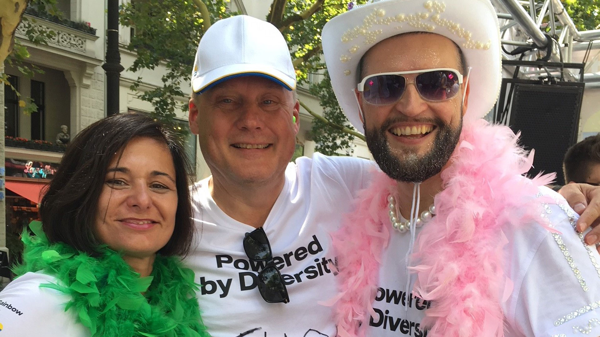 From left to right: Mandy Rohwedder member of the Vattenfall Rainbow Network board, Diversity & Inclusion Officer Tuomo Hatakka and Johannes Nohl chairman of the Vattenfall Rainbow Network