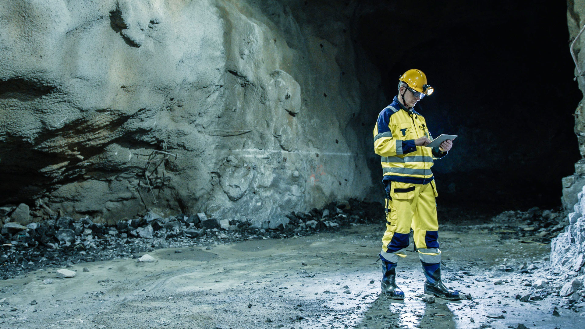 A man standing in one of Boliden's mines.